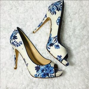 "{LK BENNETT} ""NINA"" Floral Blue Peep Toe Pumps"